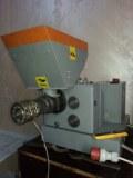 Machine d'extraction de huile de figue de barberie