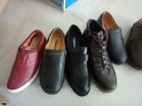 Existencias Zapatos de cuero para hombre y zapatos de los zapatos ocasionales