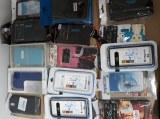 Lot pochettes et coques de telephone