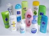 Plástico auto - adhesivo de etiquetas impresas en cosméticos botella