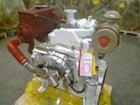 Cummins small marine engine