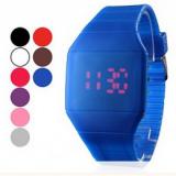 Grossiste montre fantaisie uni led rouge carré montre-bracelet de bande de caoutchouc numérique