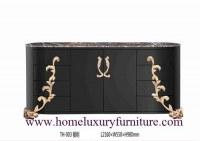 Los muebles clásicos de la tabla de la decoración de los aparadores de las comidas fría...